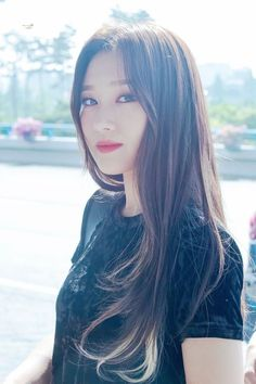 Kpop Girl Groups, Korean Girl Groups, Kpop Girls, K Pop, Euna Kim, Lee Si Yeon, Dreamcatcher Wallpaper, Estilo Rock, Metal Girl