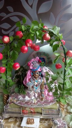 Shree Krishna, Krishna Art, Radhe Krishna, Lord Krishna, Wedding Gift Wrapping, Wedding Gifts, Janmashtami Decoration, Bal Gopal, Ladoo Gopal