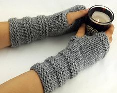 Items similar to 32 Colors Fingerless gloves - Arm warmers - Womens Fingerless - Chunky Gloves - Wrist warmers - Hand warmers Poncho Crochet, Crochet Mittens Pattern, Knit Mittens, Wool Poncho, Crochet Granny, Fingerless Gloves Knitted, Crochet Gloves, Baby Knitting Patterns, Free Knitting