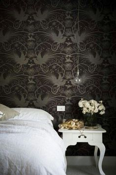 Gorgeous wall paper. Love
