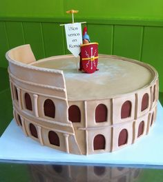 Pastel de fondant Coliseum de Roma para 60 personas