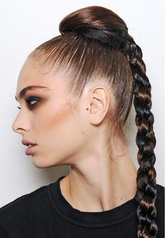 Hair Styles 2018 Super sleek four strand braid Discovred by : Byrdie Beauty Slicked Back Ponytail, Slick Ponytail, Braided Ponytail, Ponytail Styles, Four Strand Braids, Twist Braids, Rose Braid, Hair Color Guide, Ponytail Hairstyles