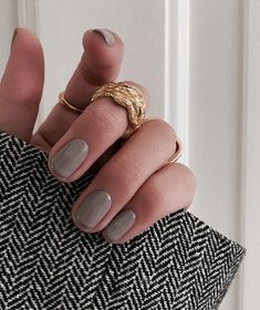 Discovered by Find images and videos about fashion and nails on We Heart It - the app to get lost in what you love. Nail Manicure, Gel Nails, Acrylic Nails, Glitter Nails, Minimalist Nails, Cute Nails, Pretty Nails, Pretty Nail Designs, Nagel Gel