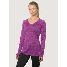 This breathable body-skimming relaxed fit running shirt keeps you cool as the intensity heats up. Offering light support and easy mobility, this striated long-sleeve v-neck is an activewear essential.