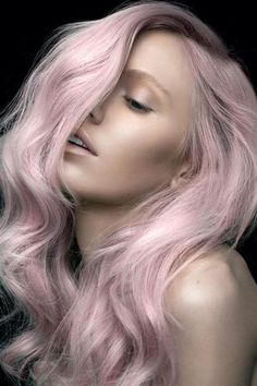 Dye your hair simple & easy to pink hair color - temporarily use pink hair dye to achieve brilliant results! DIY your hair pink with crazy pink hair chalk Pastell Pink Hair, Pink Hair Dye, Lilac Hair, Dyed Hair, Pastel Pink, Baby Pink Hair, Lavender Hair, Pretty Pastel, Green Hair