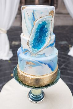 Modern wedding cake idea - blue geode cake with sugar crystals and gold flakes {Stacy Anderson Photography}