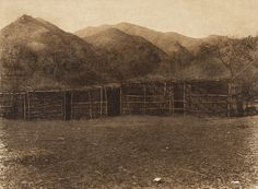 Communal ceremonial shelter at Capitan Grande - Diegueño (The North American Indian, v. XV. Norwood, MA, The Plimpton Press, 1926)