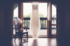 Have you ever thought of getting married in a country park? Bridal Gowns, Wedding Dresses, Getting Married, Wedding Photography, Country, Accessories, Home Decor, Bride Dresses, Bride Dresses