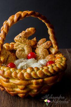 Easter Dinner, Easter Brunch, Haute Cakes, Pretzel Dough, Pastry Design, Cake Decorating Kits, Bread Art, Bread Shaping, Bread Bowls