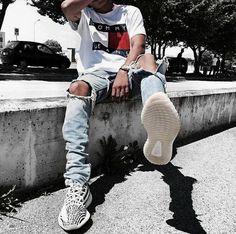 ** New Streetwear Daily ** Urban Fashion, Mens Fashion, Fashion Outfits, Sneakers Fashion, Fashion Shoes, Fashion Fall, Fashion Tips, Fashion Trends, Urban Outfits