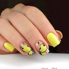 Best Nail Polish Colors of 2019 for a Trendy Manicure Valentine's Day Nail Designs, Flower Nail Designs, Nails Design, Best Nail Polish, Nail Polish Colors, Color Nails, Nail Art Printer, Yellow Nail Art, Beautiful Nail Designs
