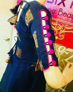 Kurti Sleeves Design, Kurta Neck Design, Sleeves Designs For Dresses, Blouse Neck Designs, Sleeve Designs, Kurta Designs Women, Salwar Designs, Kurti Designs Party Wear, Stylish Blouse Design
