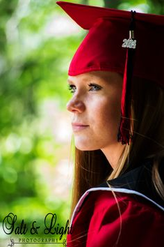 Senior Portrait / Photo / Picture Idea - Girls - Cap & Gown