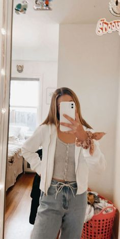 🥳 - - Outfits 2019 Outfits casual Outfits for moms Outfits for school Outfits for teen girls Outfits for work Outfits with hats Outfits women Casual School Outfits, Cute Comfy Outfits, Teen Fashion Outfits, Basic Outfits, Mode Outfits, Cute Summer Outfits, Outfits For Teens, Spring Outfits, Trendy Outfits