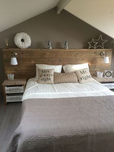 Homemade scaffolding wooden bed rnrnSource by Home Decor Bedroom, Bedroom Wall, Master Bedroom, Homemade Beds, Bed Wall, Trendy Bedroom, New Room, Home And Living, Headboard Ideas