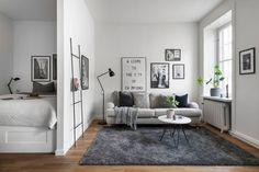 Love the sofa colour arrangement Studio Apartment Layout, Small Apartment Interior, Studio Apartment Decorating, Apartment Design, Studio Apartment Living, Student Apartment, Deco Studio, Studio Design, Living Room Decor