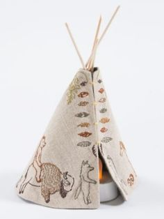 SMALL TIPI WITH VOTIVE