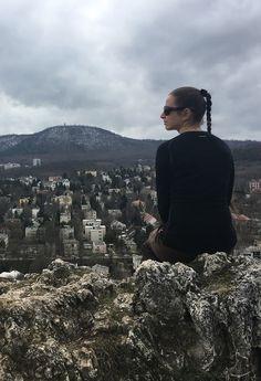 Ki se megy a városból, mégis tele van kilátókkal, meredek sziklákkal, barlangokkal. Sőt, egy élő remetével is összefuthatunk. Budapest, Grand Canyon, Nature, Travel, Voyage, Viajes, Grand Canyon National Park, Traveling, The Great Outdoors