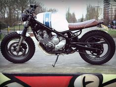 CAFE RACER NR 05   This cafe racer is build from aYamaha XJ600 Diversion. Read all about the build.     HOW IT ALL STARTED Ardi, a friend of the company, bought a bright yellow Yamaha XJ600 Diversion… A bike that is not normally