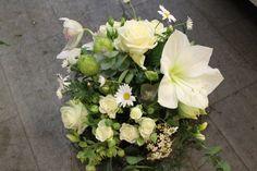 LesFleurs.ch (@lesfleursch) | Twitter Floral Wreath, Creations, Wreaths, Twitter, Plants, Home Decor, Florists, Planting Flowers, Bouquet Of Flowers