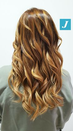 Honey and Gold Shades _ Degradé Joelle #cdj #degradejoelle #tagliopuntearia #degradé #igers #musthave #hair #hairstyle #haircolour #longhair #ootd #hairfashion #madeinitaly
