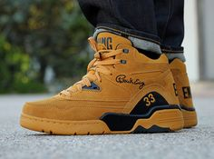Ewing Athletics Guard –