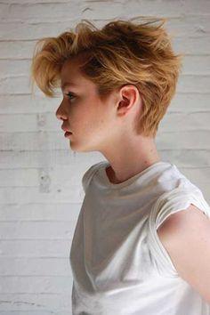 25 Longer Pixie Haircuts | http://www.short-hairstyles.co/25-longer-pixie-haircuts.html