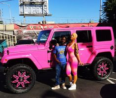 Amber Rose Is Now a Real-Life Barbie With a Hot Pink Car and Matching Skintight Outfit—Check it Out! Amber Rose                                                                                                                                                                                 Mehr