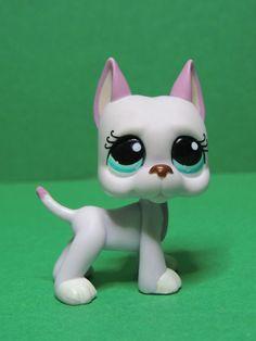 #1022 chien dogue Great Dane Dog pink blue eyes LPS Littlest Pet Shop Figure