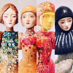 Singapore Singapore, Crown, Fashion, Moda, Corona, Fashion Styles, Fashion Illustrations, Crowns, Crown Royal Bags