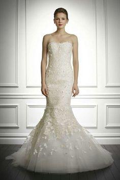 Carolina Herrera Wedding Gown Keywords: #weddings #jevelweddingplanning Follow Us: www.jevelweddingplanning.com  www.facebook.com/jevelweddingplanning/
