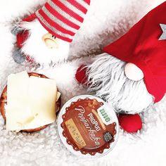 Wasa kanel knäcke knäckebröd smör ost, pepparkaka propud Njie jultomte tomte jul.