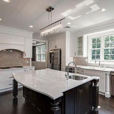 The perfect place to prepare family meals by @rocksolidbuilders_ariella... - Interior Design Ideas, Interior Decor and Designs, Home Design Inspiration, Room Design Ideas, Interior Decorating, Furniture And Accessories