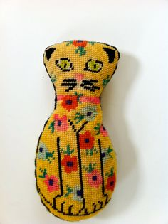 charming vintage cat pillow by georgeandeli on Etsy Needlepoint, maybe?