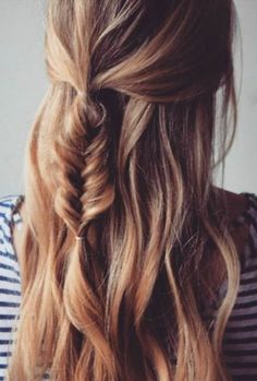 Trendy Long Hair Women's Styles Coachella hairdo inspiration. We adore this cute, feminine fish tail braid. Half up half down hairdo with a little fishtail braid. French Braid Hairstyles, Messy Hairstyles, Pretty Hairstyles, Feathered Hairstyles, Hairstyle Ideas, Hairstyles 2018, Wedge Hairstyles, Hairstyle Tutorials, Wedding Hairstyles
