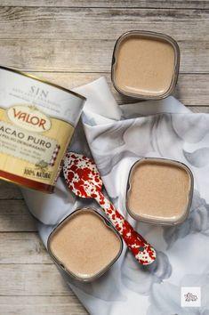 Cinco recetas para hacer yogures en casa - Con Harina En Mis Zapatos Flan, Vegan Milk, Natural Yogurt, Homemade Sauce, Kefir, Mousse, Food And Drink, Cooking Recipes, Ice Cream