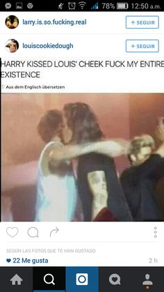larry stylinson 2015 kiss I'm not saying Harold kissed his little Louis but I'm pretty sure Harold kissed his little Louis. Larry Stylinson, One Direction Harry, One Direction Memes, Great Love Stories, Love Story, Louis Tomlinson, Harry Styles, Larry Shippers, Harry 1d