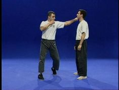 Krav Maga Self Defense, Self Defense Moves, Krav Maga Techniques, Martial Arts Techniques, Israeli Krav Maga, Learn Krav Maga, Mixed Martial Arts, Dojo, Stay Fit