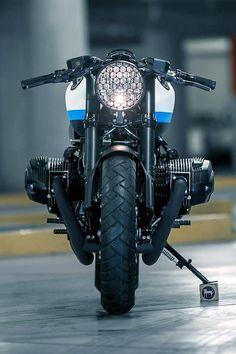 4h10 Bmw Motorbikes, Bmw Motorcycles, Bike Style, Motorcycle Style, Moto Style, Custom Bikes, Custom Cars, Moto Scrambler, Bmw Engines