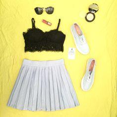 Bra: 95k Chân váy li : 225k Sneakers : 235k --/-- Hàng đã lên kệ rất nhiều ở album trên page shop nhé, đừng quên share album để nhận 5% off!  ❗️Cửa hàng : số 3- ngõ 105 Nguyễn Công Hoan - Hà Nội ❗️Giờ mở cửa: 8.00 - 20.00 ❗️imess/ Zalo: 01686.340.466 ❗️Fb: Vicky Lee Style  #fashion #vickyleestyle #shirt #simple #summer #girl #colorful #beautiful #cool #vacation #holiday #hot #ootd #clothings #hanoi #today #outfit #skirt #hat #dress #bra #sneakers #mint #mini
