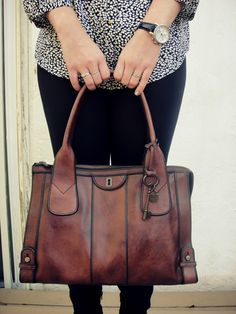 Top: Fossil  Earrings: Fossil : Purse: Fossil Watch: Fossil  Leggings: Target Shoes: Apt. 9 via Kohl's      Looking into the past is...
