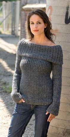 FREE knitting pattern in Danish for Ribbed Blouse in Sizes: S (M) L 400 600 g Falk 100 150 g Kidmohair Circular Knitting Needle 80 cm No. 7 and No. Gauge: 16 sts x 18 rows = 10 x 10 cm, measured not stretched Width: 34 42 cm, length to armhole: 43 47 cm Diy Tricot Crochet, Knit Or Crochet, Crochet Poncho, Winter Knitting Patterns, Knit Patterns, Circular Knitting Patterns, Free Knitting Patterns For Women, Crochet Clothes, Pulls