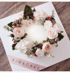 [킴앤케이크] 2017년 새해에 인사드리는 KIM&CAKE 버터크림플라워케이크 해피뉴이어~!새해에 인...