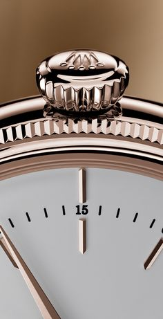 The Rolex Cellini Time's classic 39 mm case - here in 18ct Everose gold  with white dial - and its characteristic double bezel, domed and delicately fluted, adds a touch of distinction to a gentleman's wrist.