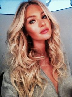 Candice Swanepoel Twitter Pic