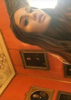 My baby slayyin ❤️ Ariana Grande Queen 👸🏻 Barack Obama, Ariana Instagram, Bae, Ariana Video, Harry Potter, Ariana Grande Photos, Cat Valentine, Dangerous Woman, American Singers