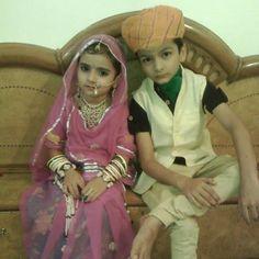 #followme #instachile #like4like #instagood #instafollow #instadaily #tumblr #shoutout #getfollowers #followtrain #rajput #Rajasthan #rajputana #Banna #baisa #rajputitued #jai_rajputana #udaipur #kunwar #royal #attitude #thikana #jodhpur #marriage #fashion #wedding #rajput_couples #couples #poshak #jewellery by rajput_couple