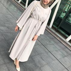 Glow 🍇 www.feyzaofficial.com 🍇 #abaya Hijab Gown, Hijab Style Dress, Modest Fashion Hijab, Street Hijab Fashion, Hijab Chic, Abaya Fashion, Muslim Fashion, Fashion Outfits, Hijab Outfit