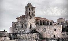 Felicidades a todas las María de las Nieves!!!!! Y las fiestas de de Ibiza… Hoy es su día!!! http://www.vivirbienesunplacer.com/todos/santa-maria-de-la-nieves-ibiza-y-las-festes-de-la-terra/