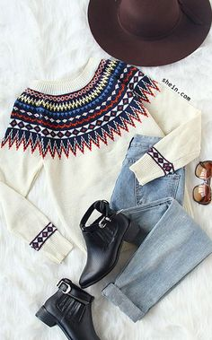 Tribal fall style-Beige geometric print sweater outfit.